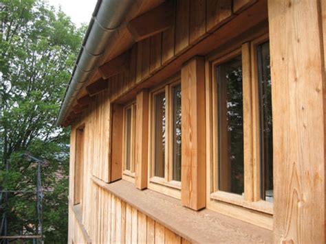 fensterbrett mit holz verkleiden eichenfenster mit fensterbrett aus l 228 rchenholz fachwerk