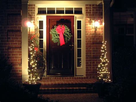 i think simple is best when it comes to christmas lights
