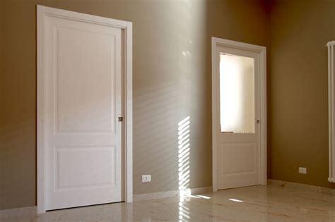 porte interne laccate bianche porte bugnate bianche pannelli termoisolanti