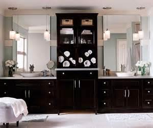 Double vanities in the master bathroom plenty of room for the both of