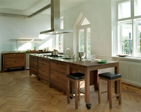 Open Kitchen With Island Open Kitchen Island Doesn T Touch The Floor I Like The Floors Flickr Photo