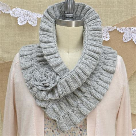 knitting pattern sler scarf sparkly silver gold holiday knitting patterns and yarns