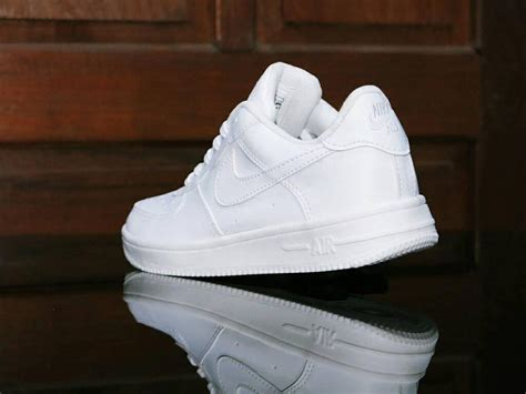 Sepatu Safety Putih jual sepatu sport nike one white putih casual