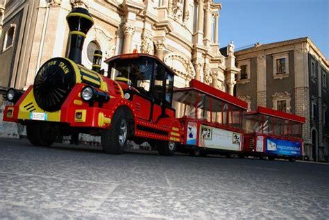 ufficio turismo catania trenino turistico foto di tourist service catania