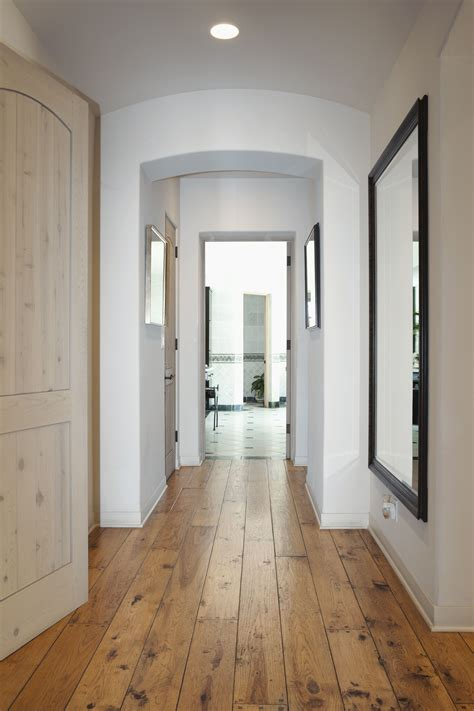 feng shui tips for a hallway in a home of business