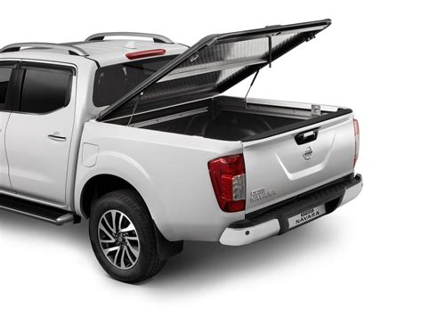 nissan np300 navara gets extensive set of up accessories