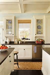 Kitchens With Cream Colored Cabinets Best 25 Cream Colored Cabinets Ideas On Pinterest