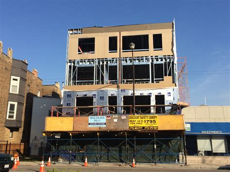 lincoln park new construction retail for lease on halsted