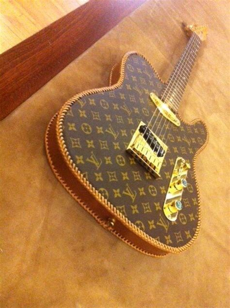 Handbag Find Of The Day Fender Bunny by 132 Best Mundinho Louis Vuitton Lv Images On