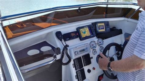 yeld cat boat review butt cat 750 xl convertible leisure boating