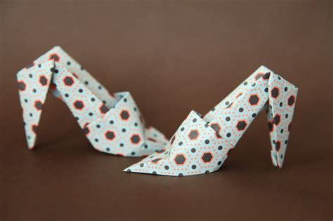 How To Make Origami Shoes - slateblu make some origami shoes