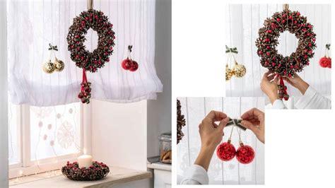 decorar velas para navidad decorar ventana con coronas y velas para navidad hogarmania