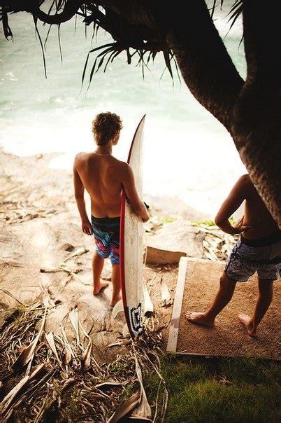 pin  robin hu  surf surfer guys surfing surfer boys