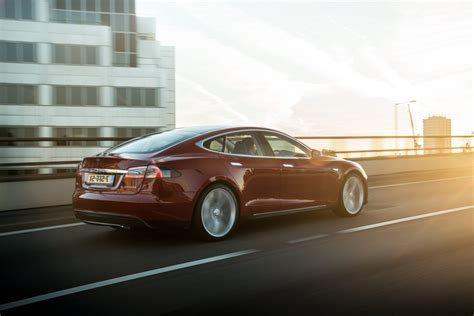 Cheapest Tesla Price Cheapest Tesla Model S Gets 7 500 Price Cut And Glass