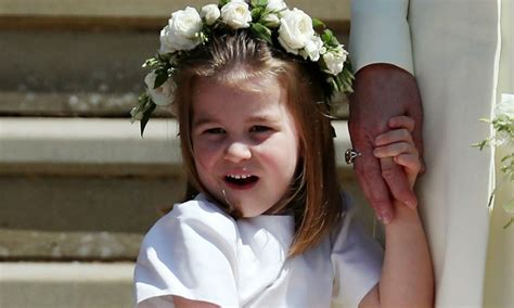 Royal Thank Fans For Support by Prince William And Kate Middleton Send Royal Fans Card