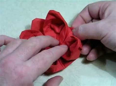 Origami Napkin Flower - 17 best images about tutorial flores en servilletas y