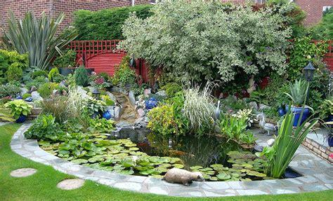 small garden pond design ideas small pond design small garden pond design