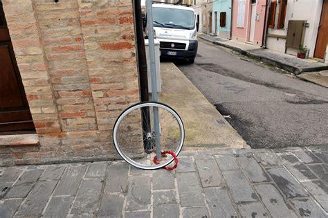 bartolini porto d ascoli ladri di biciclette a civitanova cronache maceratesi