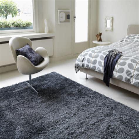 shaggy rug bedside rug bedroom design home rocks