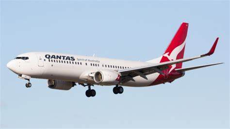 airline review qantas business class sydney to denpasar bali