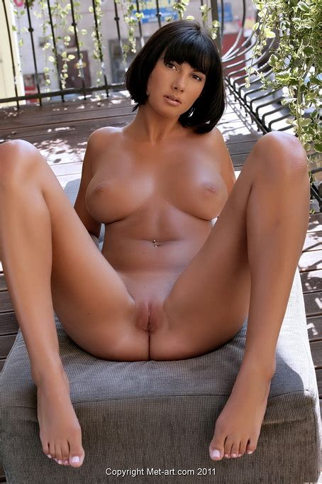 Nice Big Natural Tits On The Short Haired Brunette That