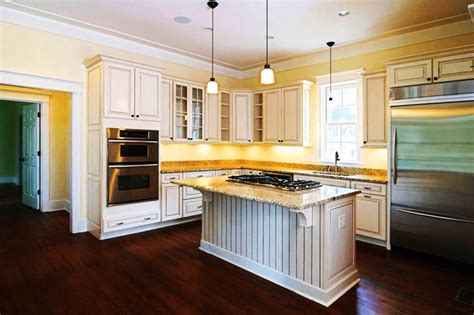 how to paint kitchen cabinets to look antique how to paint kitchen cabinets with chalk paint to look antique