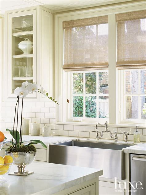 Farmhouse Kitchen Backsplash 1000 Images About Kitchen On Islands Pantry And Glass Cabinets