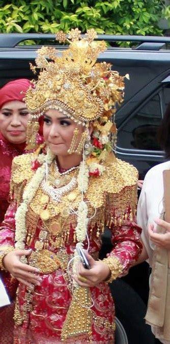koleksi foto baju pengantin putri titian junior liem