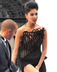 scherzinger has a wardrobe malfunction at mib3