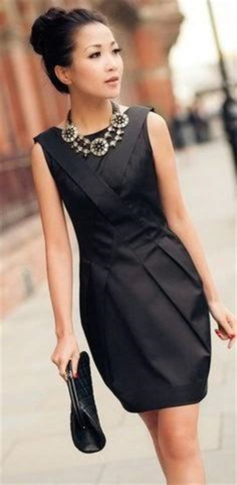 Unique Ways To Accessorize Your Lbd by How To Style Ways To Accessorise Your Lbd Black Dress