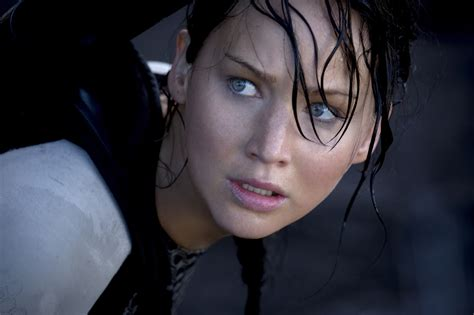 jennifer lawrence in the hunger games catching fire heyuguys