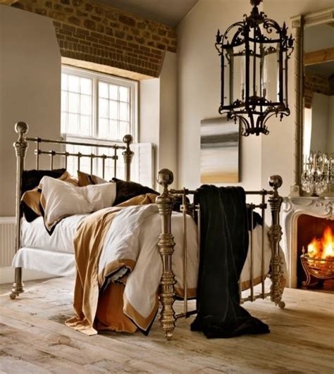 eye for design decorate with brass beds in