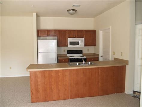 section 8 apartments listing