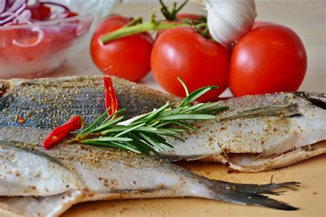 amici a cena cosa cucino cosa cucino oggi un menu a base di pesce per pranzo e cena