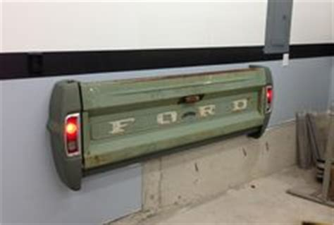 tailgate wall bench kid s room on pinterest boy rooms tailgate bench and