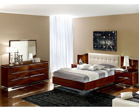 dark cherry bedroom furniture modern bedroom set in dark cherry finish made in italy 33b31