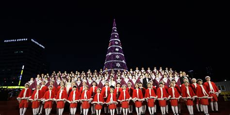 south korea approves christmas tree on border with atheist