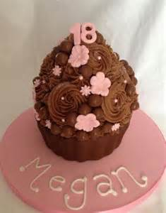 Pool Table Cakes Supersized 18th Birthday Chocolate Cupcake Cake Jpg Hi Res