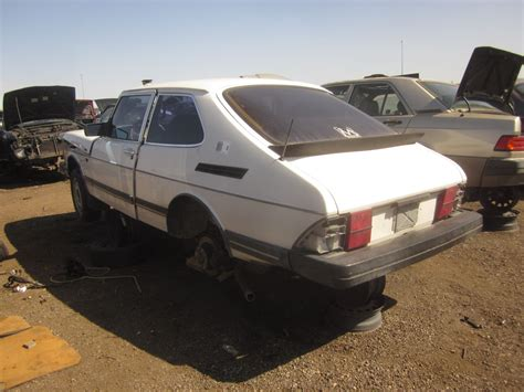 junkyard find 1986 saab 900 the about cars