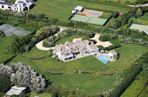 hillary clinton house crooked hillary clinton stole white house furnishings on