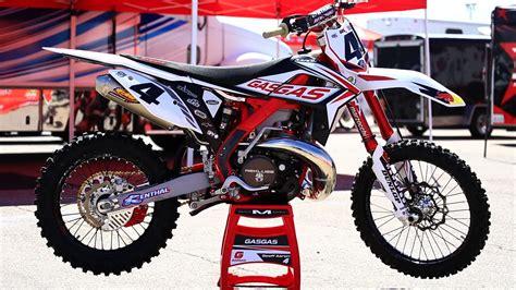 gas gas motocross bikes inside geoff aaron s factory gas gas ec 300 bikes of