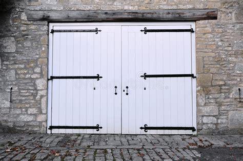 eingang auf englisch garage eingang stockfoto bild garage englisch