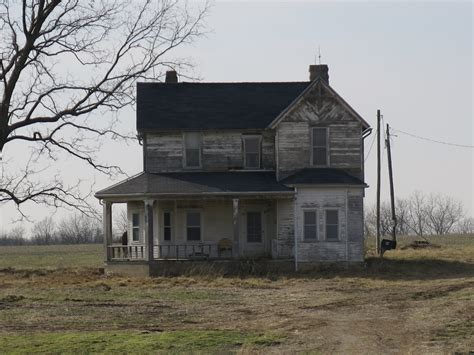farmhouse or farm house old farmhouse i love this abandoned pinterest