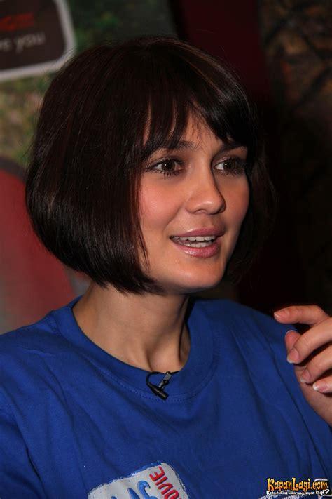gambar luna maya gambar model rambut pendek luna maya hairstylegalleries com