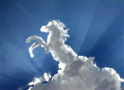 imagenes raras en el cielo curiosidades del mundo nubes con formas curiosas y extra 241 as