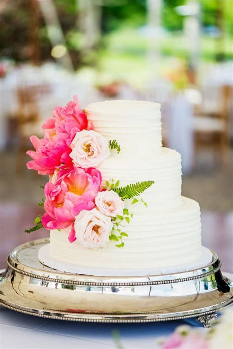 Top 25 ideas about Small Wedding Cakes on Pinterest