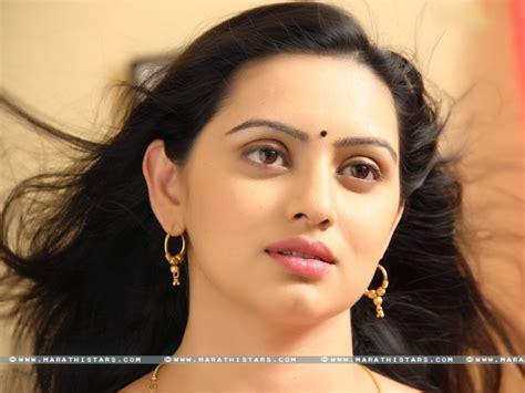 shruti marathe actress marathi shruti marathe marathi actress wallpapers