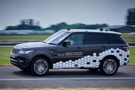 autonomi drive jaguar land rover dipamerkan