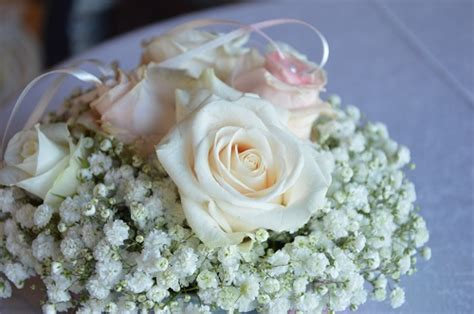 portafedi fiori fiori per il matrimonio alcune idee vi sorprenderanno