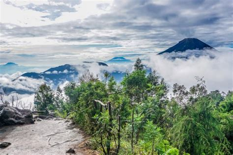 airbnb dieng mount bromo hike bromo sunrise our diy guide finding